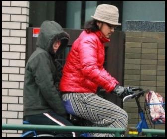 松岡茉優へのパワハラが原因!?突然の事務所移籍の真相は。